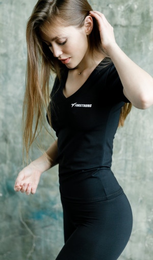 Футболка Basic V-neck Black